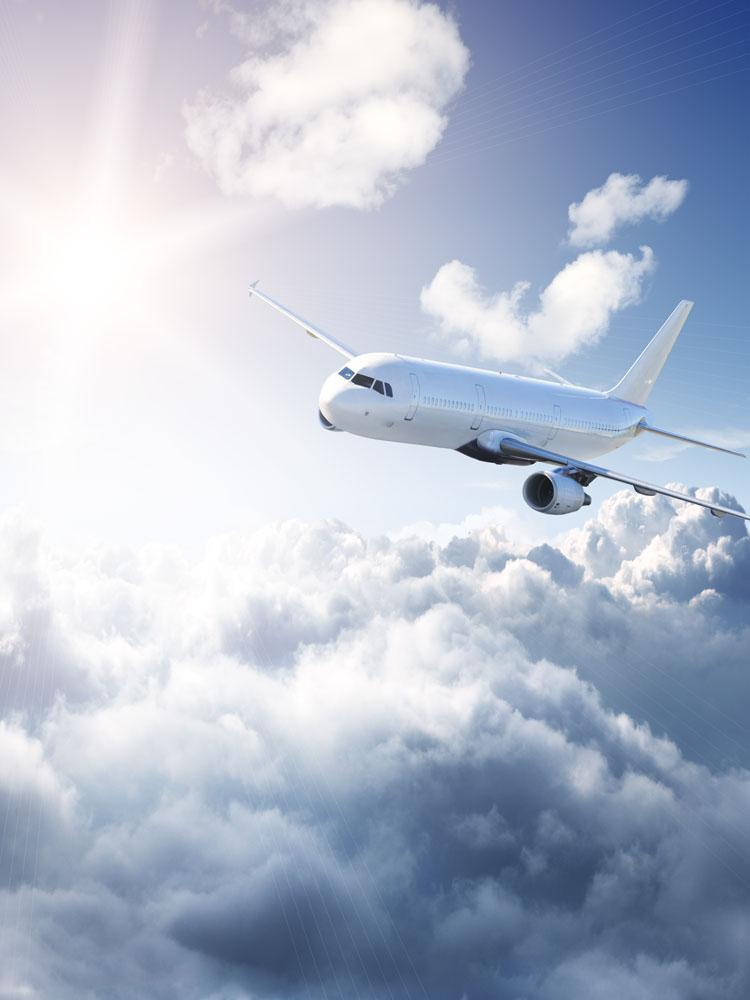 飞行中的飞机图片素材