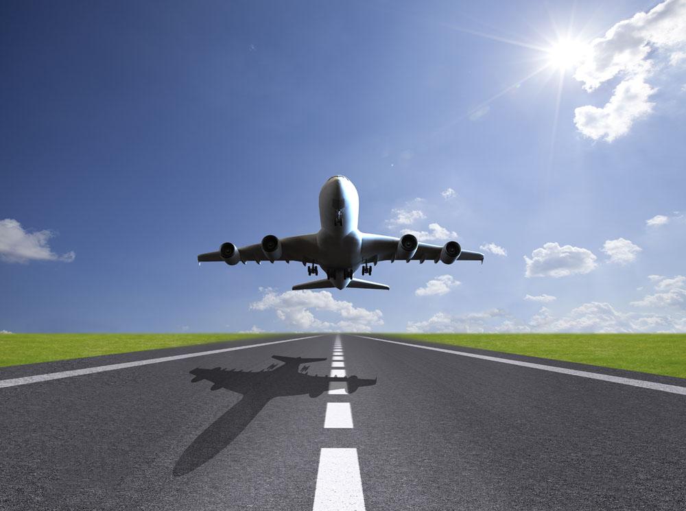 待降落的飞机图片素材