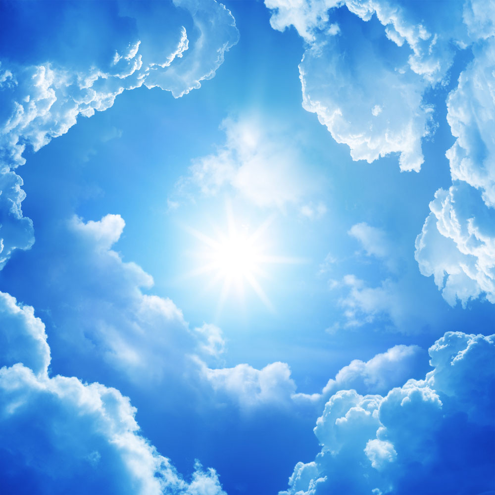 蓝天白云阳光明媚高清图片