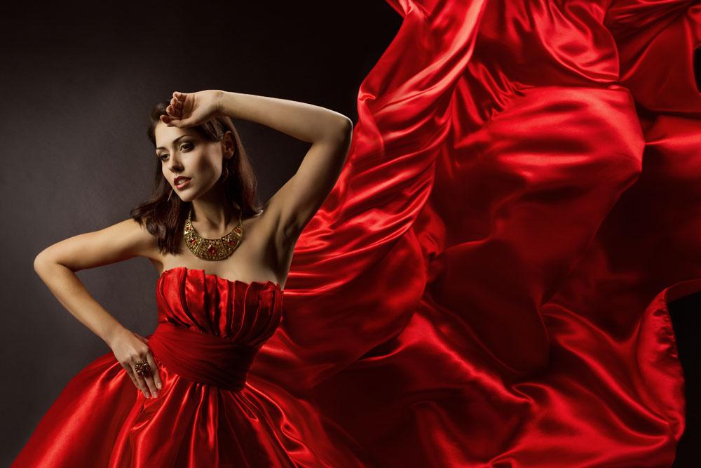飘带红绸与性感美女写真